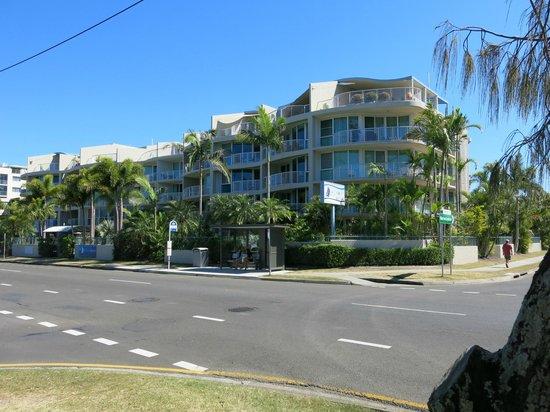 Sailport Mooloolaba Apartments: Building and bus stop location