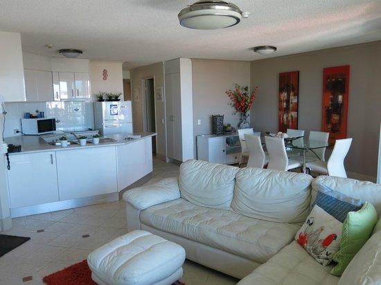 Sailport Mooloolaba Apartments: Part of lounge/kitchen