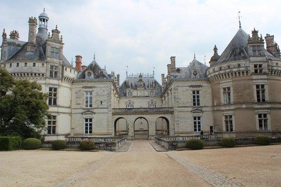 Château du Lude : Chateau entrance