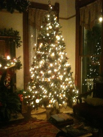 Coppersmith Inn Bed & Breakfast: Christmas Season at The Coppersmith