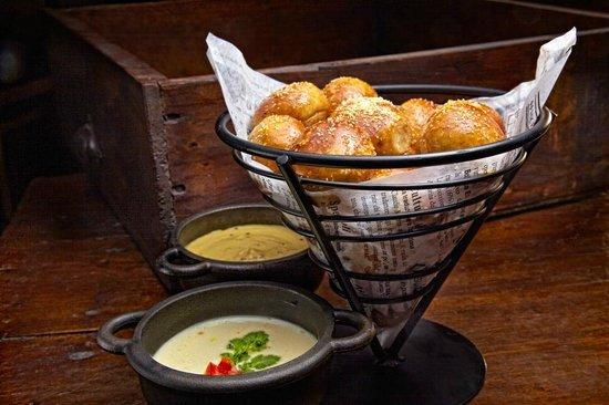 Red's Bar & Grill : Comfort Food Favorites