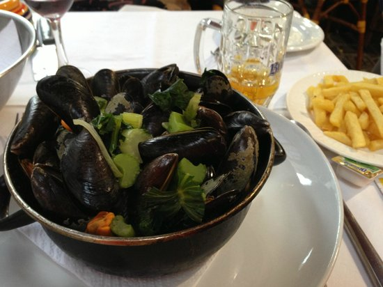 Coin De Mer : mussels with fries