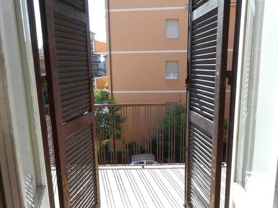 Hotel Le Petit: Balcony