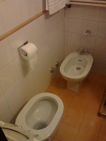 Mentana Hotel : bagno