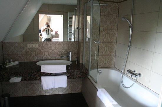 Burghotel: bagno