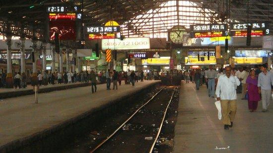 interior da estação - Picture of Chhatrapati Shivaji ...  interior da est...