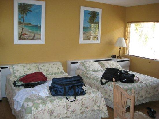 Ebb Tide Oceanfront Resort: Our Room