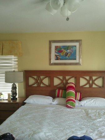Atrium Beach Resort and Spa: Big & Comfortable Bedding @ Atrium Resort