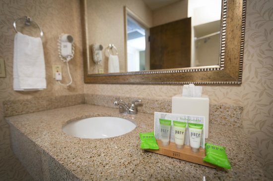 Red Lion Hotel Yakima Center: Clean and Environmentally Friendly Amenities