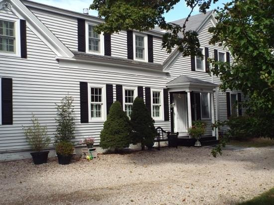 The Platinum Pebble Boutique Inn : Front of the Inn