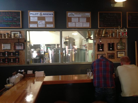 Altitude Chophouse and Brewery : The Bar and Micro Brewery