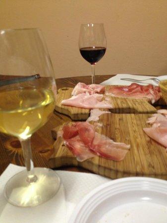 Capitan Drake Enoteca & Cucina: Tray with cold meats