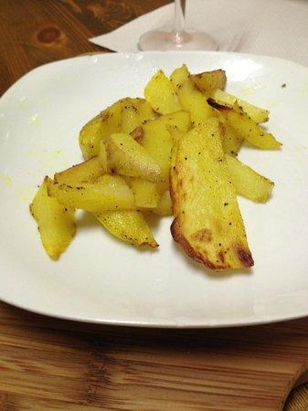 Capitan Drake Enoteca & Cucina: Spicy potatoes