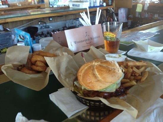 Motts Creek Inn: the burger & onion rings