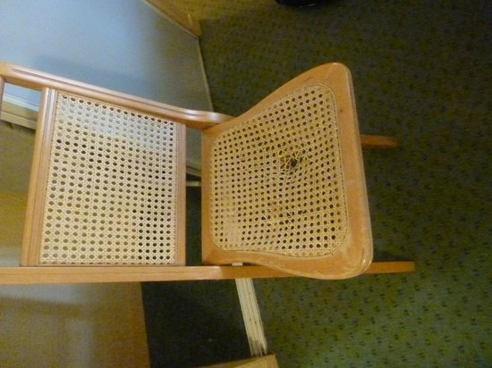 Citadines Bastille Gare de Lyon Paris: Chair with hole
