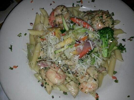 Hook, Line & Sinker : tiger shrimp with chicken pasta
