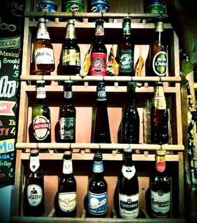 Ski-Ing Doo Restaurant: great selection of bottled beers from all over the globe!