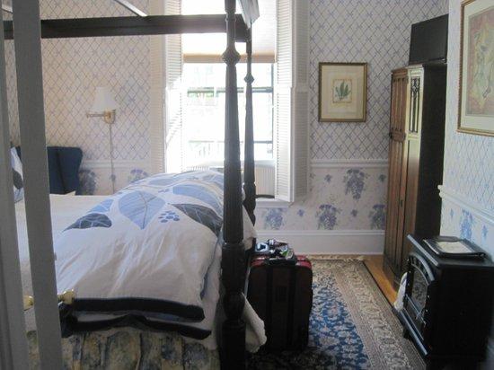West End Inn: Comfy room