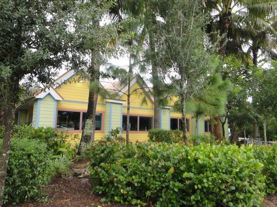 Sanibel Fish House: View of the restaurant