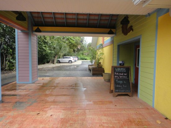 Sanibel Fish House: Miain entrance