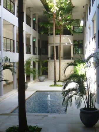 Holiday Inn Resort Baruna Bali: atrium gardens