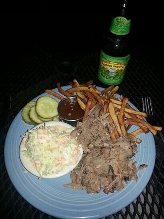 Flatiron Bar & Diner: Smoked beef brisket.  oooo good.