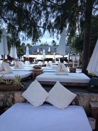 Nikki Beach Resort & Spa: around pool beach side