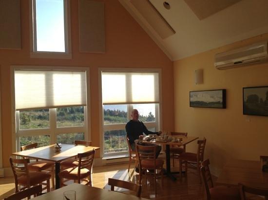 Neddies Harbour Inn: Add a caption