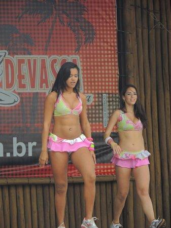 Toa Toa: Dançarinas!
