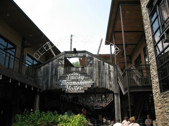 Ole Smoky Tennessee Moonshine: Entrance
