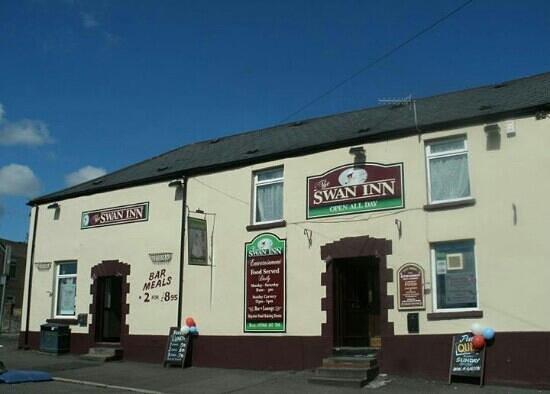 The Swan Inn: this is the original pic of the pub dont know were the other picture is!!