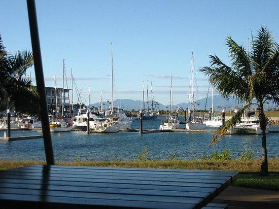 Arcadia Village Motel : marina