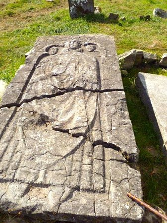 Jerpoint Park: Medievil Tomb
