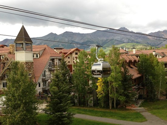 The Inn at Lost Creek: Gondola view outside balcony