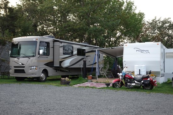 Motel & Camping Etchemin: Out side area