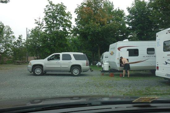 Motel & Camping Etchemin: outside camper area