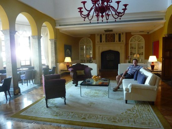 The Ashbee Hotel: the lounge