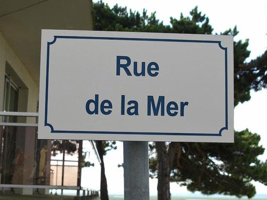 Les Tourelles: Rue
