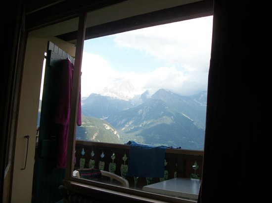 Hotel Arbois-Bettex : depuis la chambre à coucher: le mont blanc