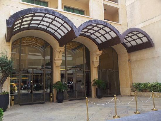Coral Beirut Al Hamra Hotel: Entrance