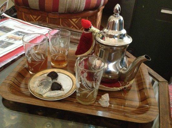 Riad Jomana: Mint Tea from Riad