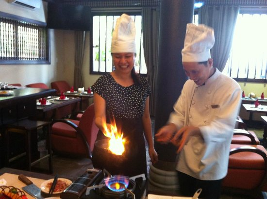 Little Hoian Boutique Hotel & Spa: Fun in cooking class - Banh Xeu (HoiAn traditional food) making !
