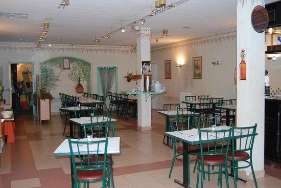 Citotel Jalade : salle de restaurant et petit dejeuner