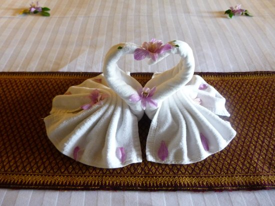 Panviman Resort - Koh Pha Ngan: Towel art