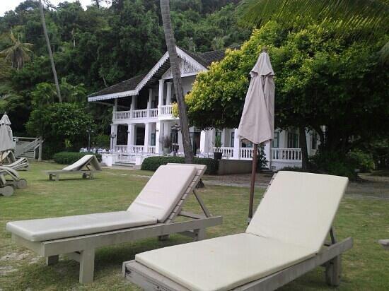 Kantary Bay, Phuket: Panwa House restaurant on private beach Cape Panwa Hotel