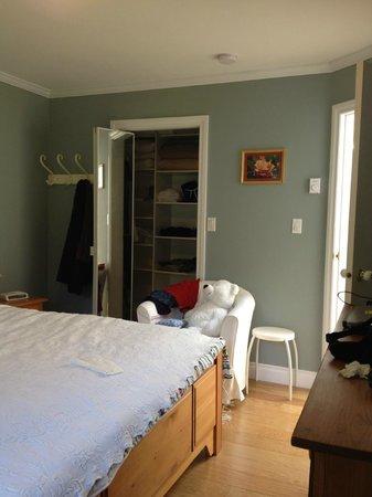 Mountain Bed & Breakfast: Bedroom