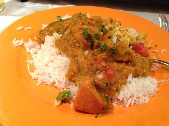 Cafe Romna: Chicken Bhuna. Delicious!