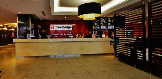 Travelodge Hotel Sydney Wynyard: Front desk