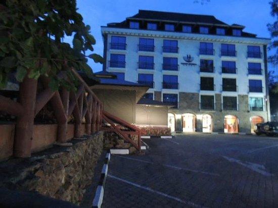Nairobi Upper Hill Hotel: parking