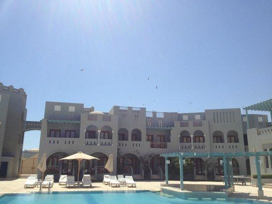 Fanadir Hotel: Storks above Hotel Fanadir